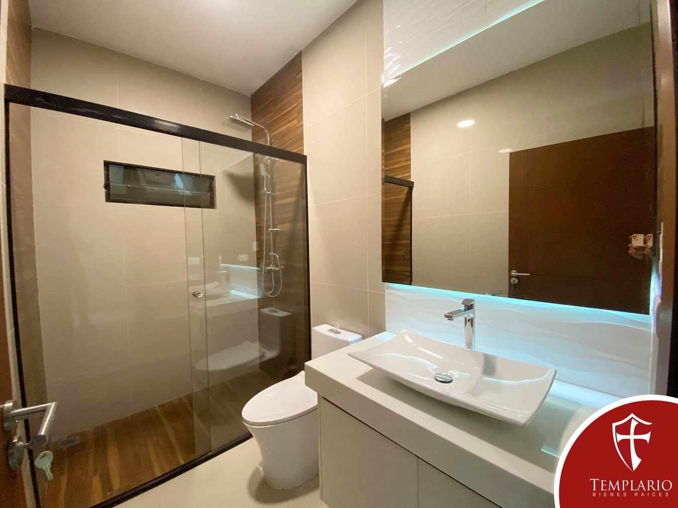 Casa en Venta Av. Banzer 8vo Anillo - Zona Norte Foto 11