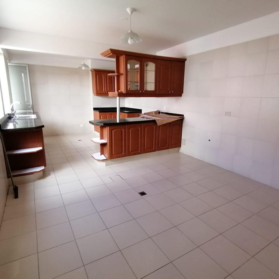 Casa en Alquiler $us.1.200.- ALQUILER HERMOSA CASA EN LOS PINOS LPZ  Foto 8