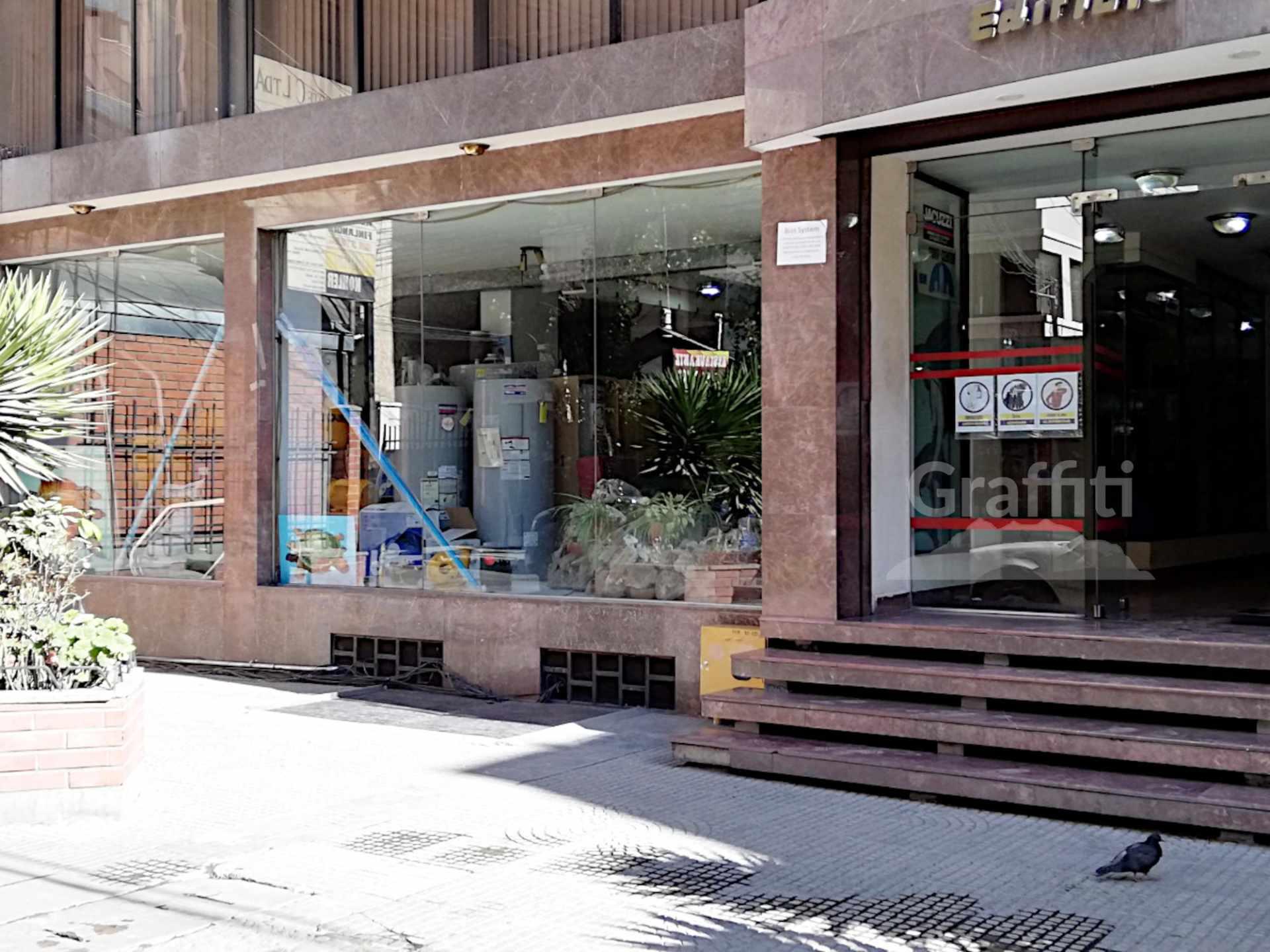 Local comercial en Venta Av. Belisario Salinas. Foto 1
