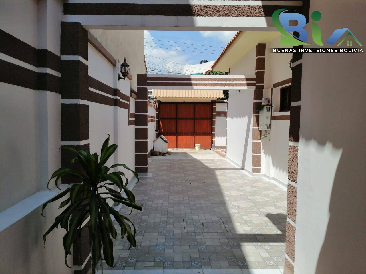 Casa en Venta $us 362.000.- CASA NUEVA PROX. PARQUE LINCOLN Foto 2