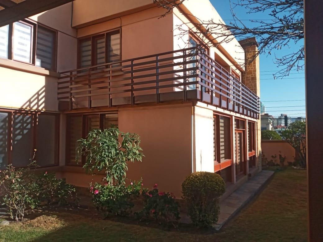 Casa en Alquiler CASA EN ESQUINA CON SOL Foto 4