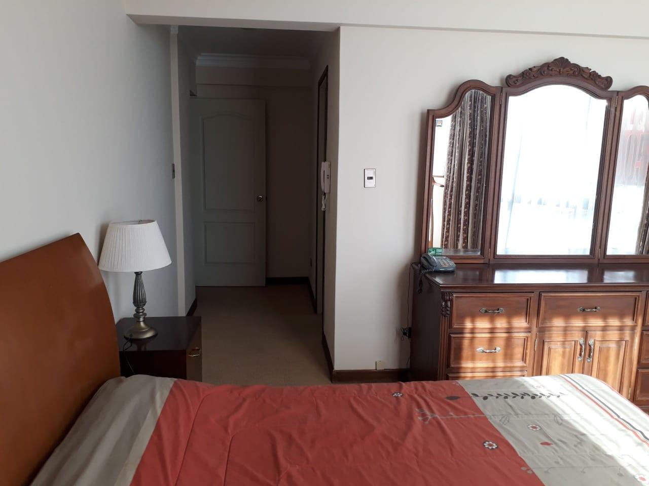 Departamento en Alquiler Calle 15 de Calacoto Esquina Adolfo González  Foto 5