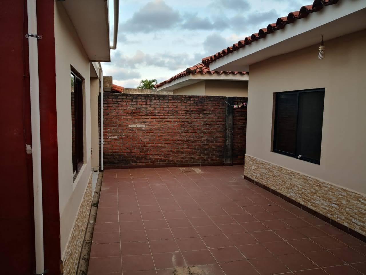 Casa en Anticretico AV. SANTOS DUMONT 6TO ANILLO- CASA DENTRO DE CONDOMINIO Foto 5
