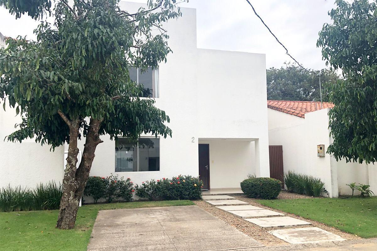 Casa en Alquiler Av. Radial 27 y 5to anillo Zona norte, condominio Villa del Milagro Foto 1