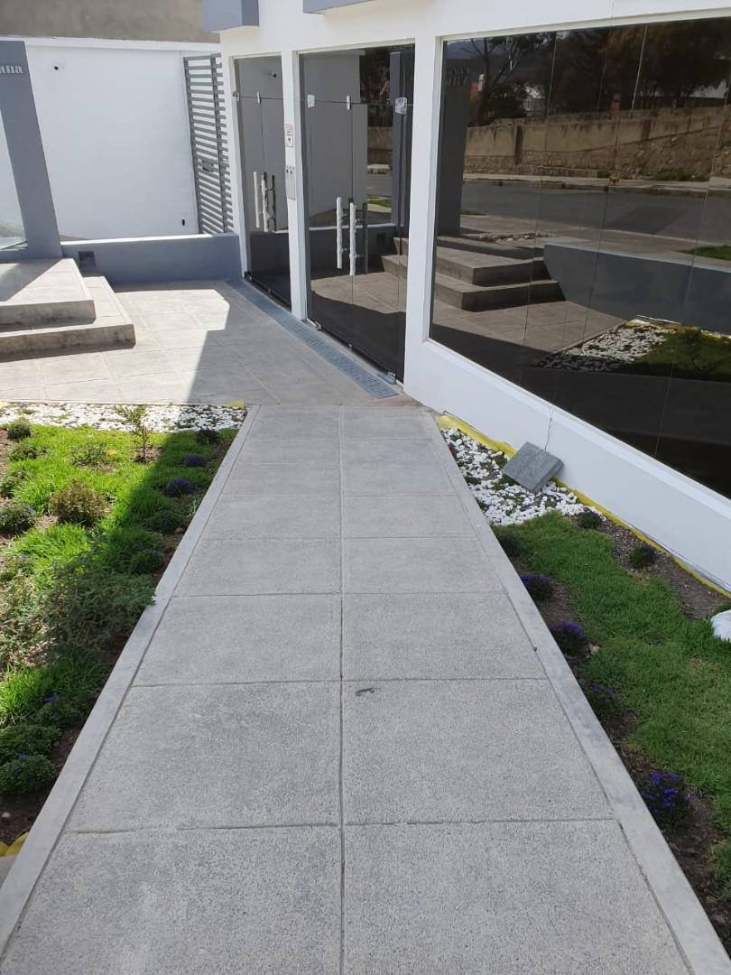 Oficina en Venta Av. Costanera, entre calles 25 y 26 Foto 2