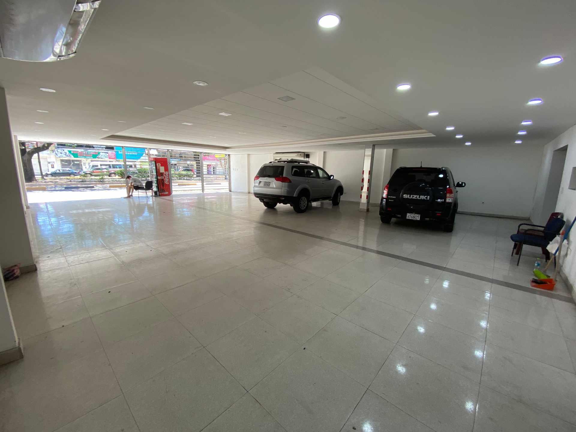 Local comercial en Venta Av. Uruguay Entre Calle Campero y Quijarro  Foto 6