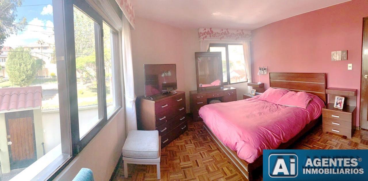 Casa en Venta ACHUMANI, CERCA AL COLEGIO ALEMAN  Foto 11