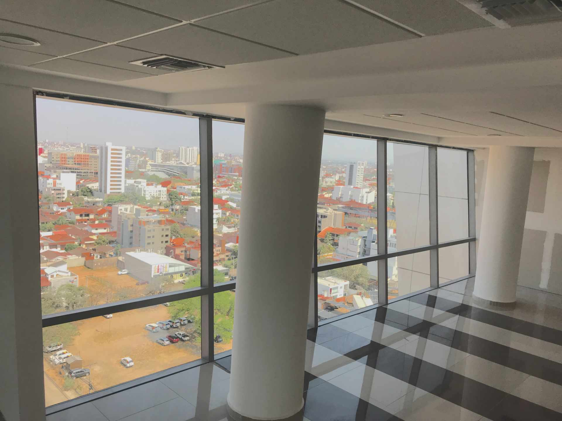 Oficina en Venta Torre de Negocios ALAS. Equipetrol Norte zona Empresarial, Av. San Martín entre 3er y 4to anillo.  Foto 11