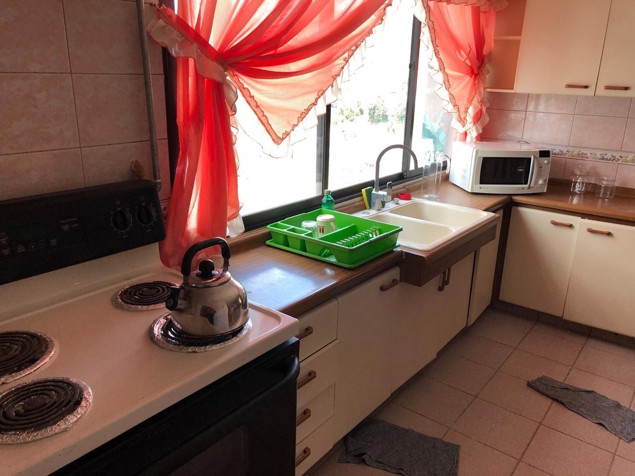 Habitación en Alquiler Amplia y Cómoda habitación en Sopocachi. Av. 20 de Octubre, esq. Campos. Edificio Csapeck  Foto 6