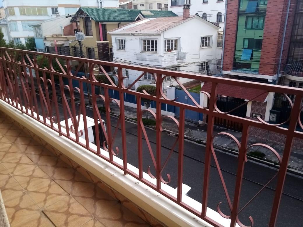 Departamento en Alquiler Zona Sopocachi, calle Abdón Saavedra y  Chaco Foto 6