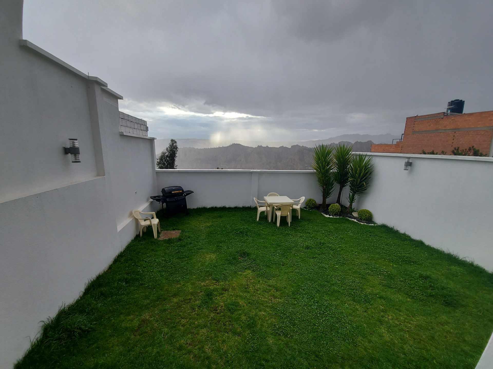 Casa en Venta ACHUMANI HERMOSA CASA + DEPARTAMENTO Foto 3
