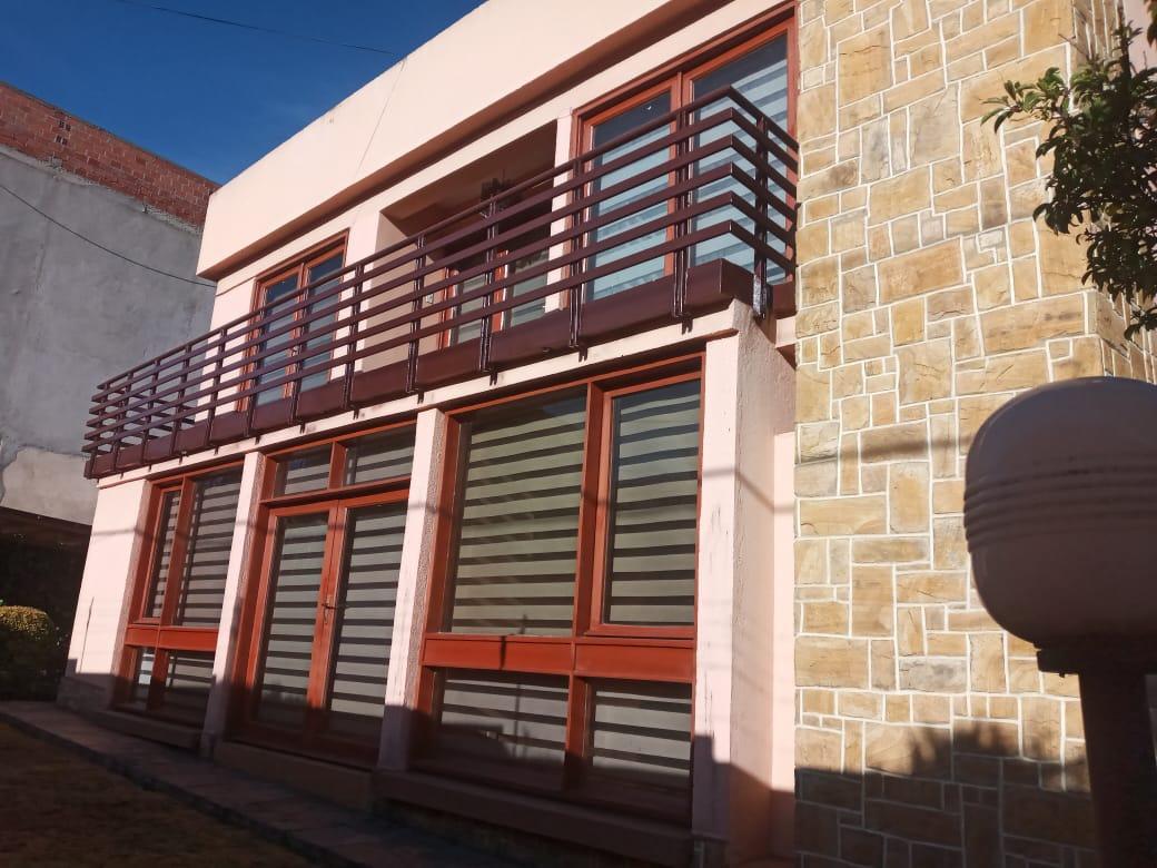 Casa en Alquiler CASA EN ESQUINA CON SOL Foto 1