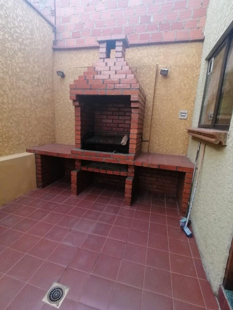 Casa en Venta BONITA CASA EN VENTA EN ALTO OBRAJES EN PLENA PLAZA AMISTAD Foto 8