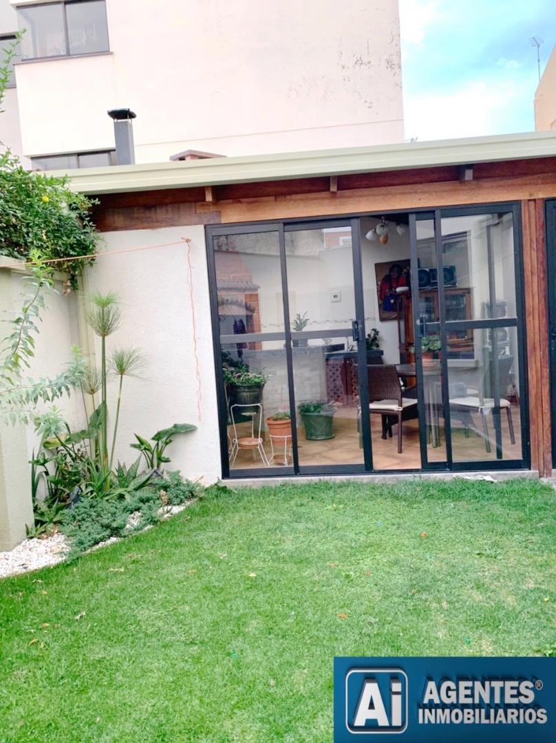 Casa en Venta ACHUMANI, CERCA AL COLEGIO ALEMAN  Foto 6