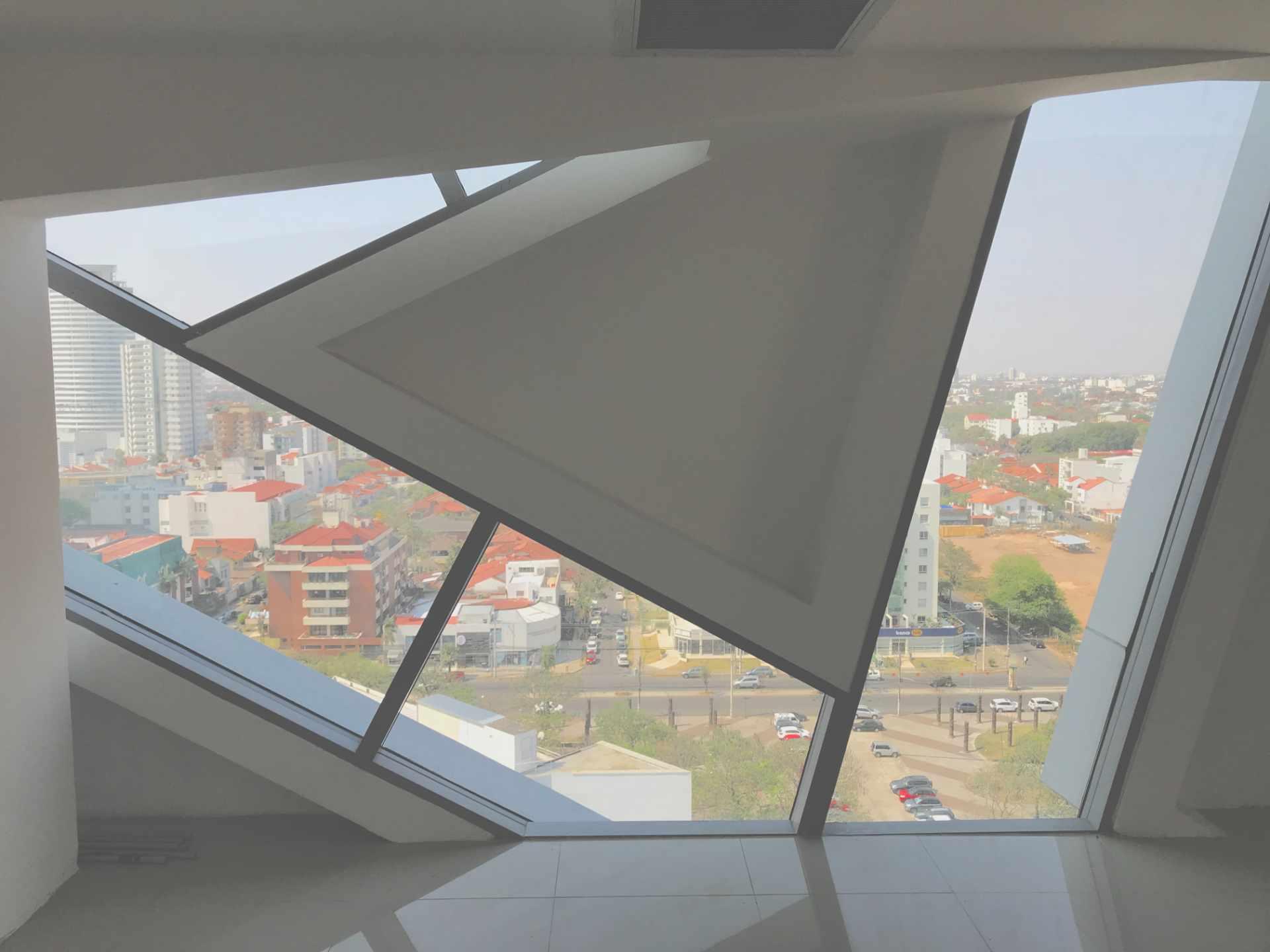 Oficina en Venta Torre de Negocios ALAS. Equipetrol Norte zona Empresarial, Av. San Martín entre 3er y 4to anillo.  Foto 13