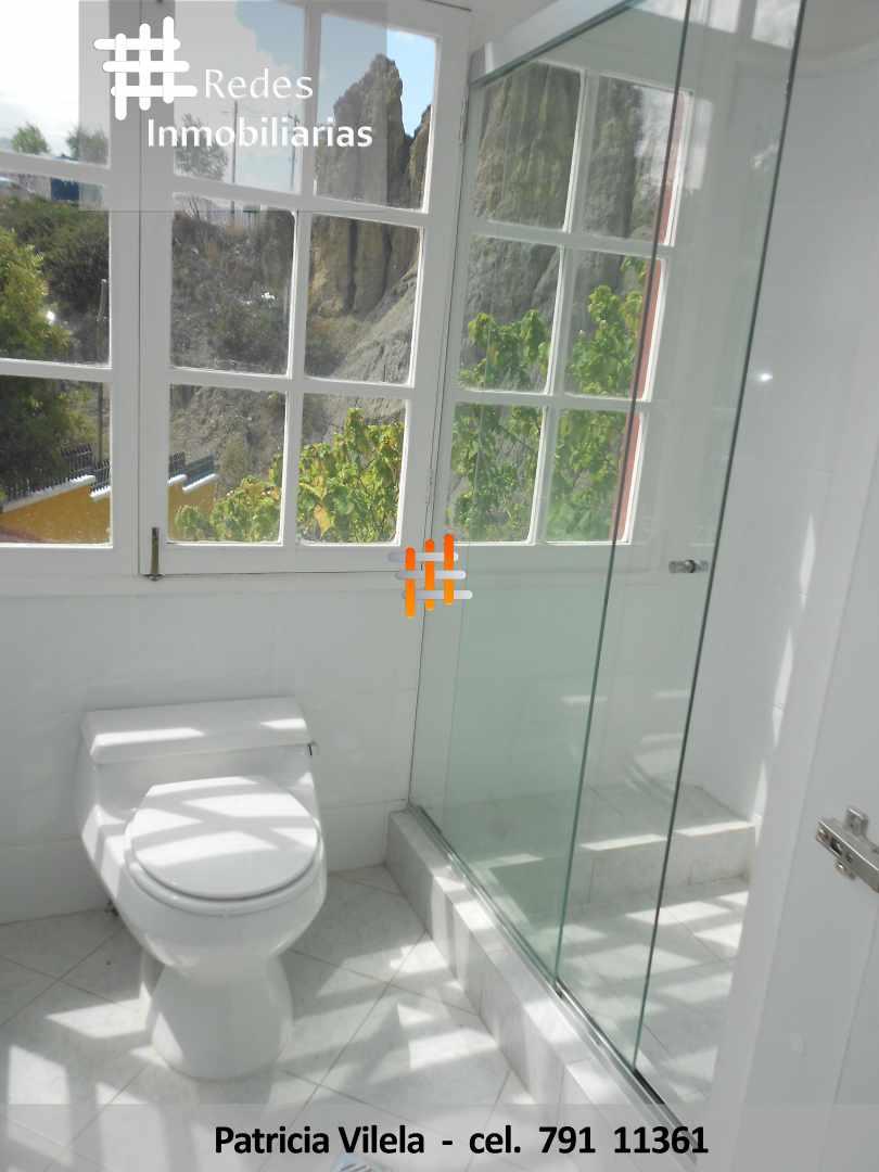 Casa en Venta HERMOSA CASA EN VENTA ACHUMANI CONDOMINIO PRIVADO  Foto 15