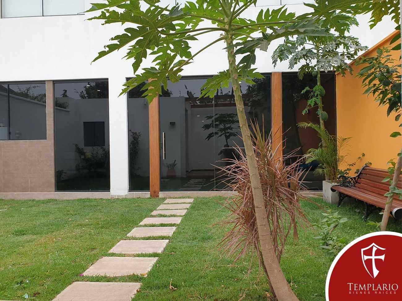 Casa en Venta Av. Beni 8vo Anillo - Zona Norte Foto 8