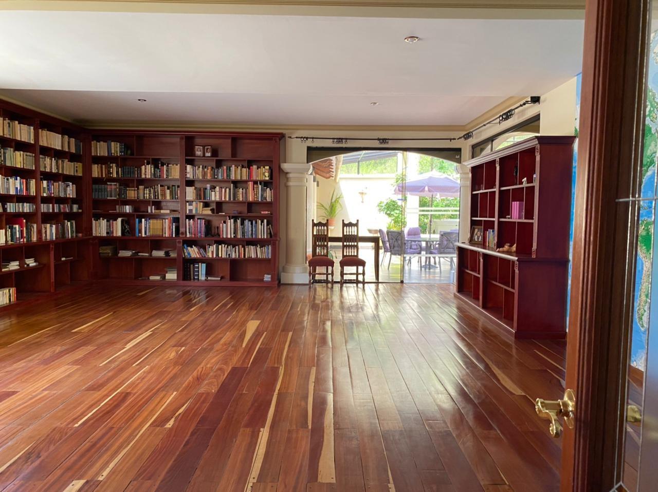 Casa en Venta BELLISIMA MANSION EN EL GOLF- AMOBLADA Foto 18
